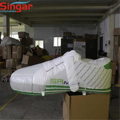 2m(6.6ft) inflatable sports advertising shoes